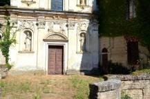 11 - Chiesa (piazzale)
