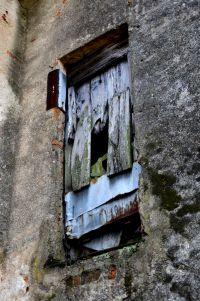 Don't open this door
