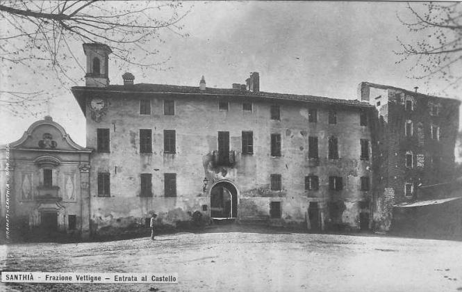 Una rarissima cartolina di Vettignè, datata 1948. A destra, si può vedere la parte medievale oggi crollata.