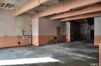 19 - Area bimbi (l'unica coi muri colorati)