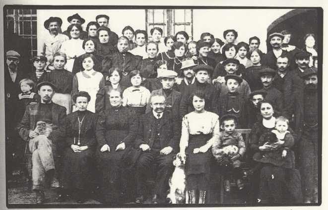 34 - Il fondatore e gli operai
