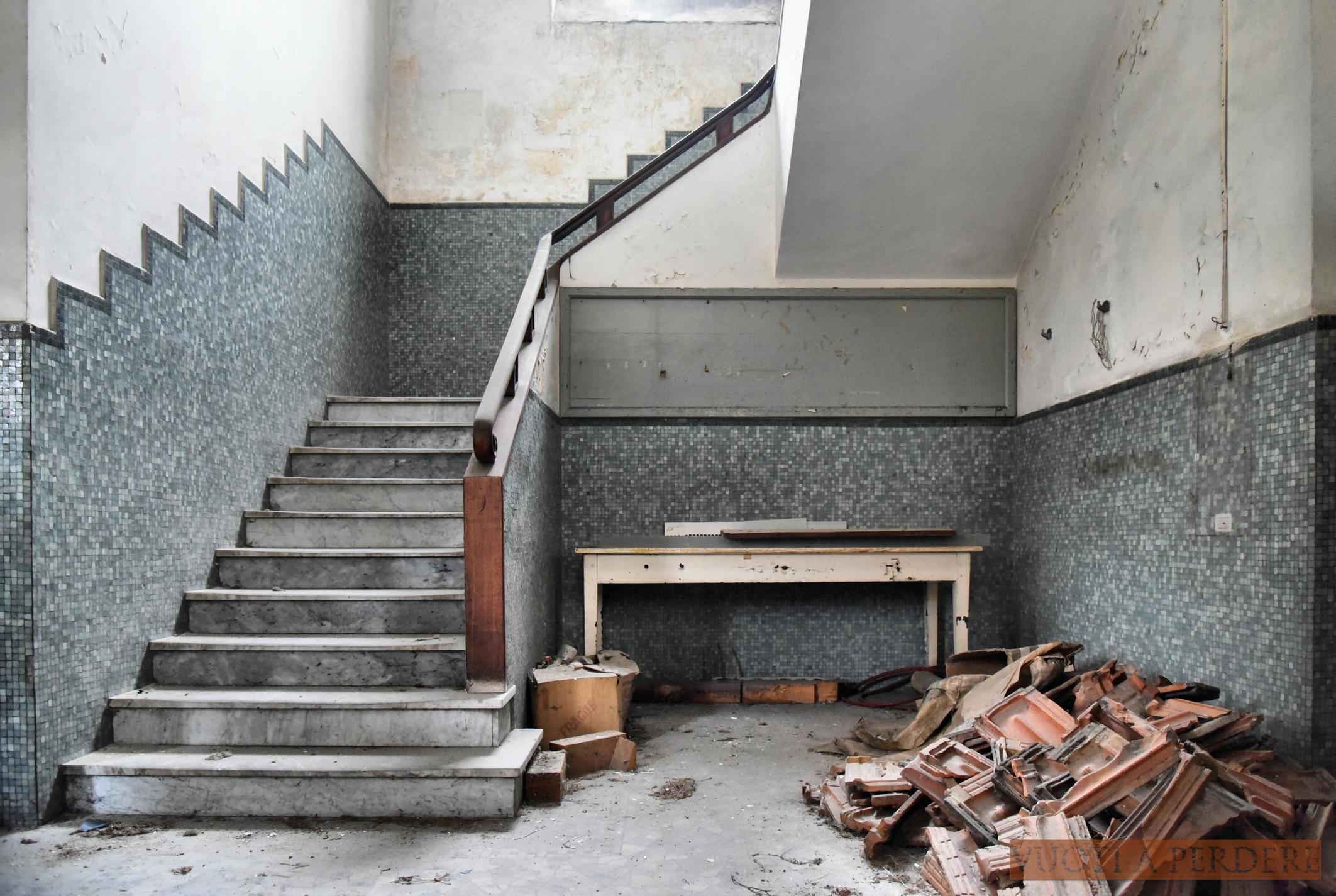 Armadietto Da Bagno Alterna : La fabbrica inviolata u2013 vuoti a perdere
