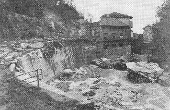 La fabbrica raccontata in questo articolo immortalata domenica 3/11/68, la mattina dopo il passaggio dell'alluvione (cortesia di Angelo Giovinazzo)